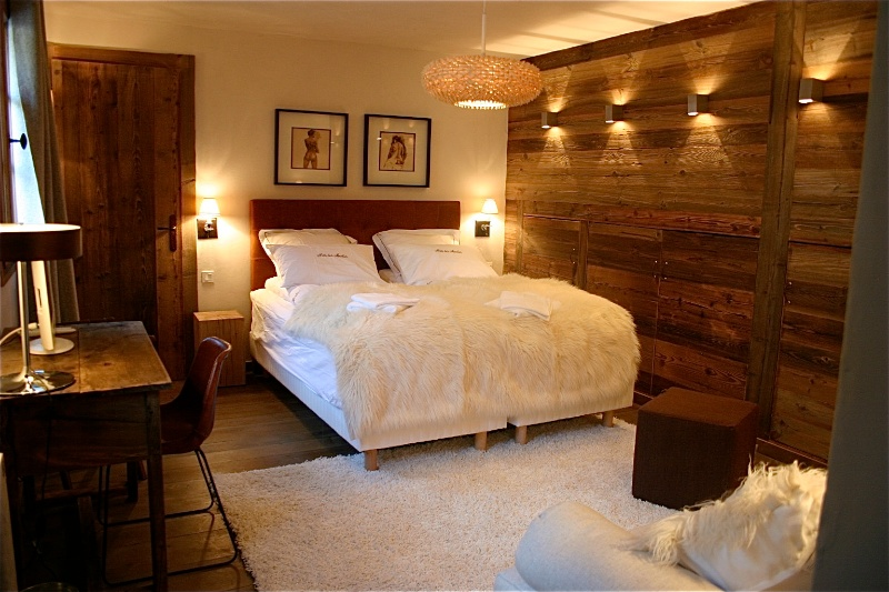 Luxury Chalet Bedroom - Mountain Spaces