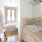 The Eyrie suite bathroom