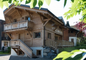 Self Catered Luxury Chalet Les Gentianes